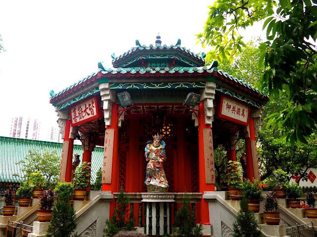 Chinese architecture - pavilion at Sik Sik Yuen Wong Tai Sin Temple, Hong Kong