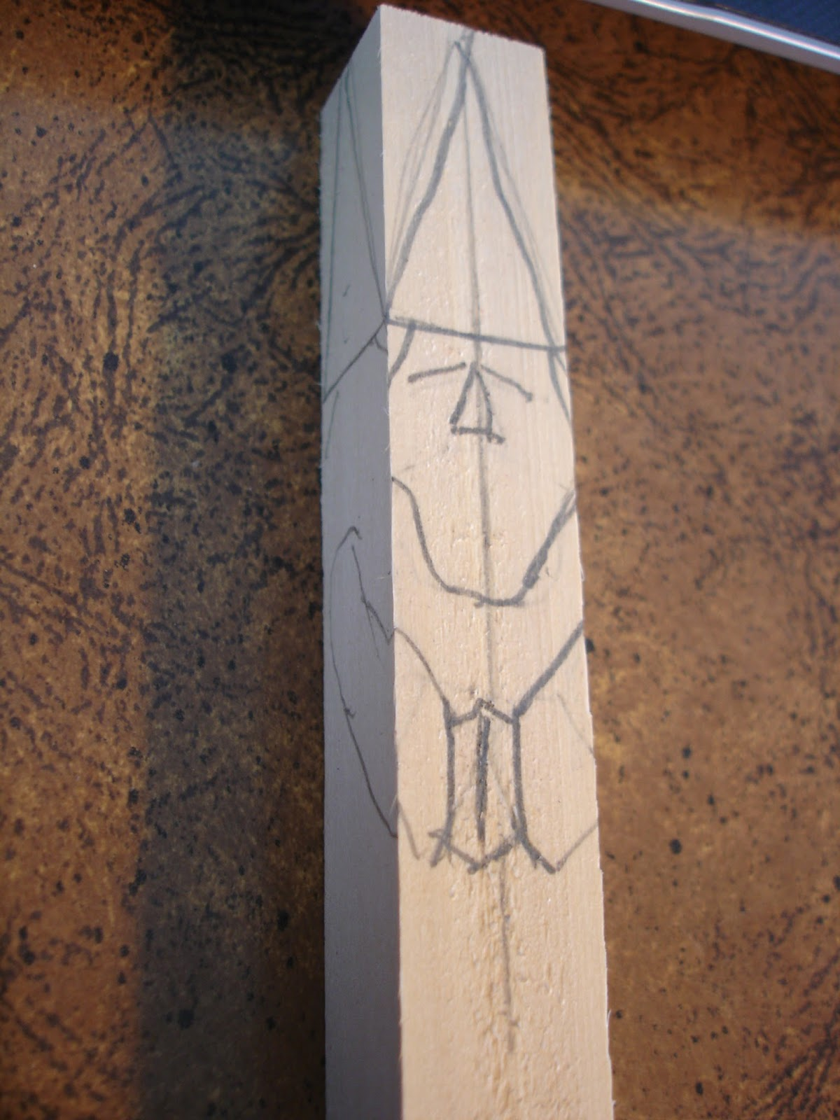 Beginners carving corner and beyond: a real simplified gnome pattern