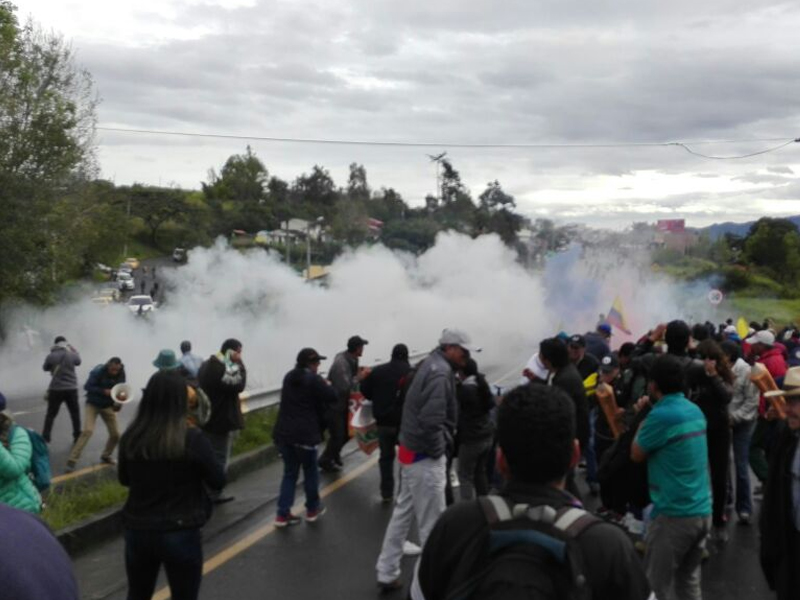 Agresión violenta del Esmad contra docentes de Nariño