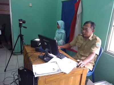 Pelajar Antusias Rekam e-KTP di Desa
