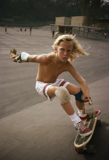 """Arthur's attitude"", Arthur Lake - foto por Hugh Holland - Kenter Canyon Elementary, 1976 