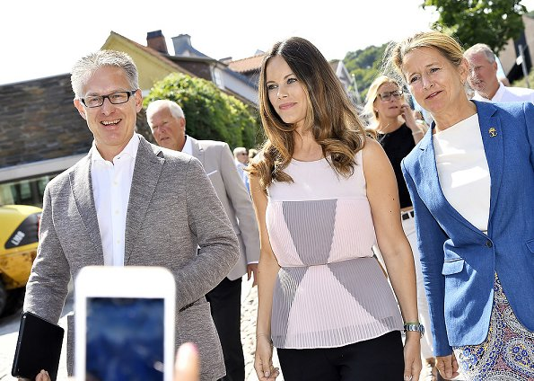 Princess Sofia Hellqvist at Industry Day, Project Playground, Gränslösa Möten in Båstad. Sofia Hellqvist wore dress, top, shoes
