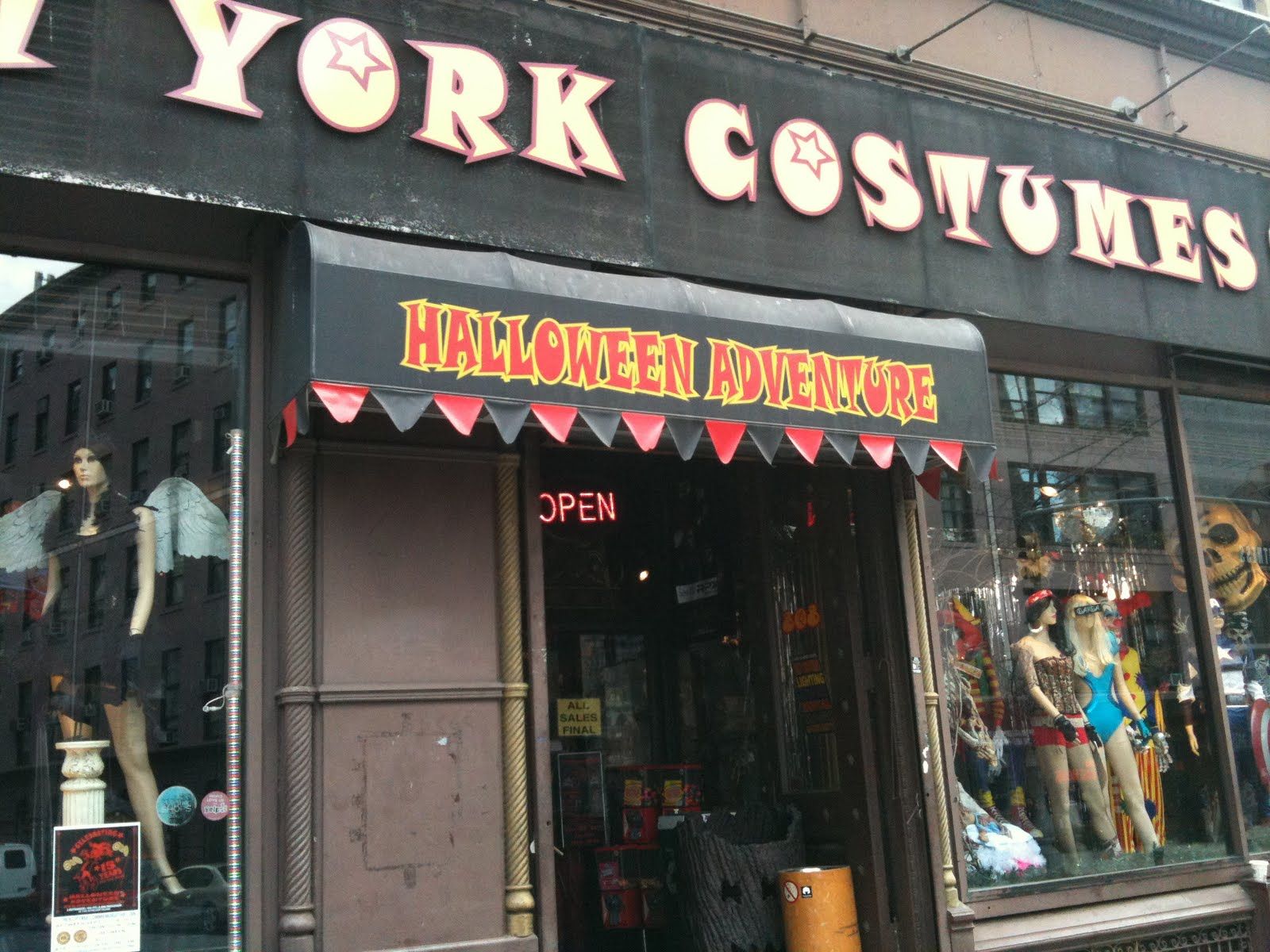 flashback friday halloween shop reportnew york costumes - Halloween Stores Ny