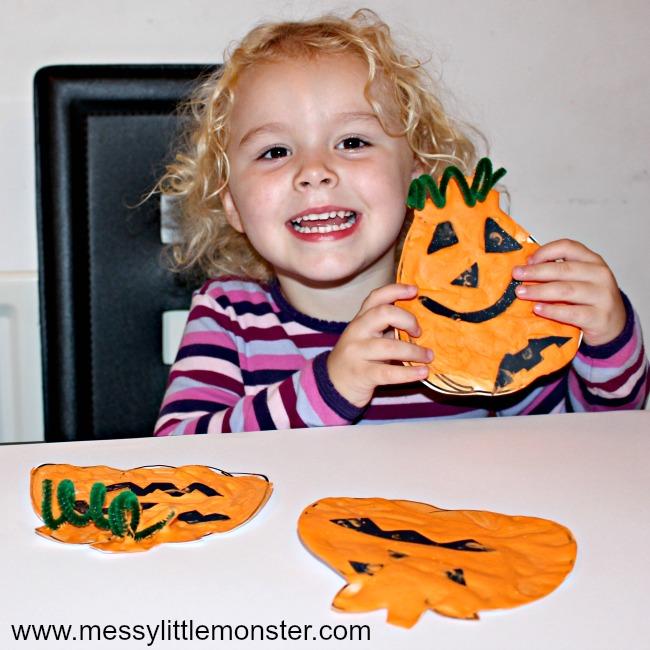 easy halloween craft for preschoolers -puffy paint pumpkin craft