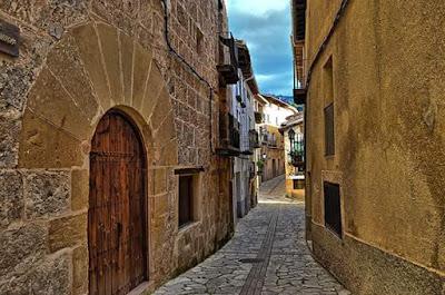 Beceite calle del Pilar foto hdrlooks