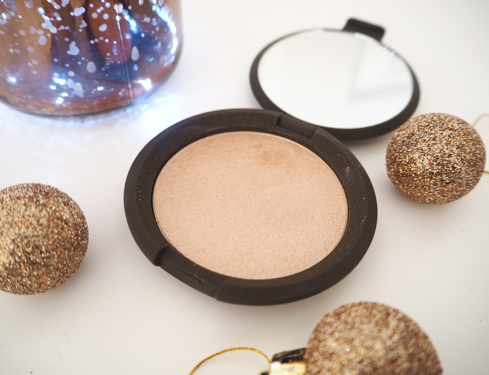 Loves List: December, Katie Kirk Loves, Becca Opal Highlighter, Becca Cosmetics, Becca Shimmering Skin Perfector, Make Up Blogger, Favourites, UK Blogger, Beauty Blogger, Lifestyle Blogger, Fashion Blogger,