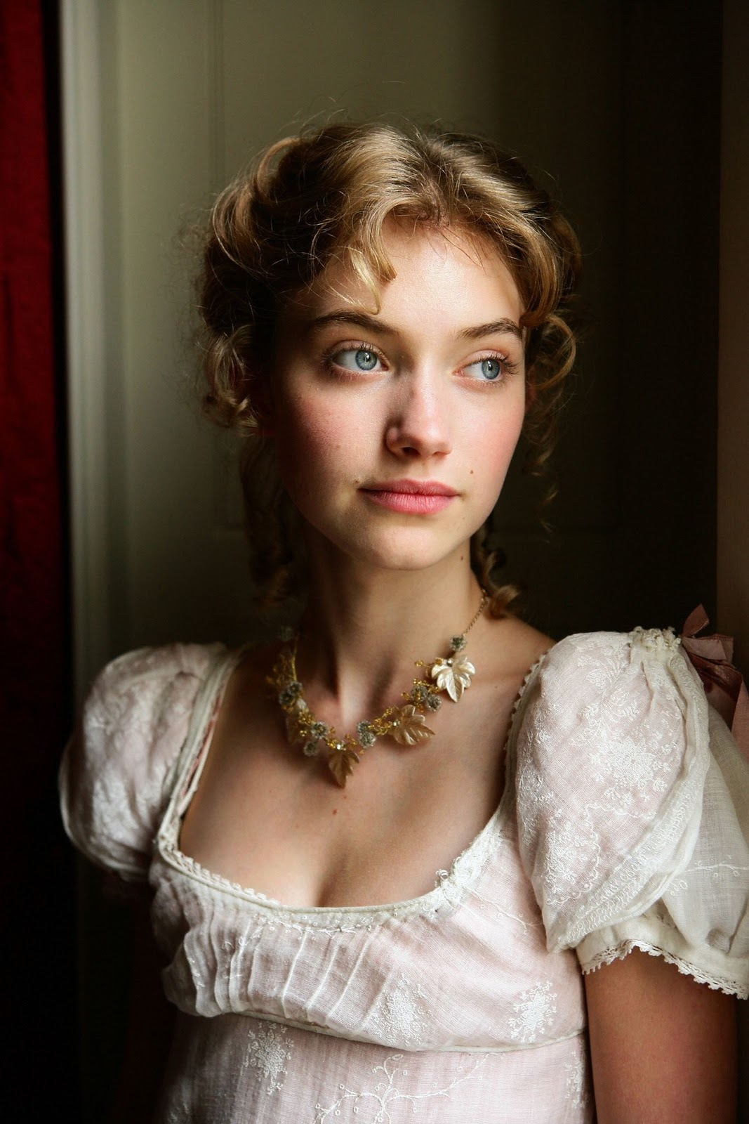 Imogen Poots Style Pictures - A Beautiful British Actress-4461