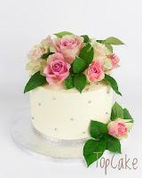 Juhlakakku aidoilla ruusuilla, juhlakakku, kreemikakku, kreemipintainenkakku, topcake, täytekakku