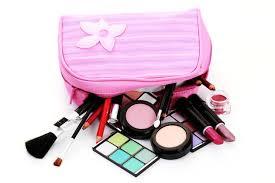 Basic Make Up Ini Wajib Ada Dalam Tas