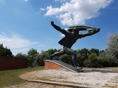 Estatua comunista en Memento Park