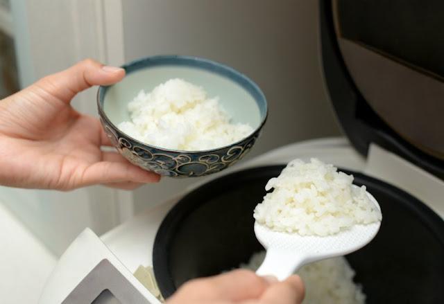Menanak Nasi Sering Lengket, Cepat Kering Dan Basi? Mungkin Kesalahan Ini Yang Sering Kamu Lakukan