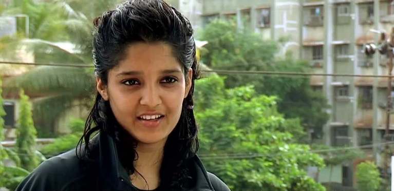 Ritika Singh's Without Makeup In  Jacket Photo