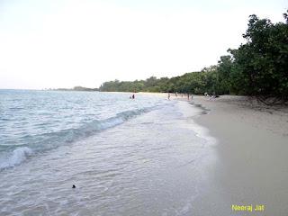नील द्वीप: भरतपुर बीच और लक्ष्मणपुर बीच