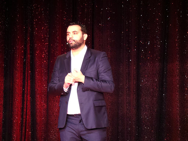 Yassine Belattar la nouvelle eve Paris One Man Show Spectacle Humoriste