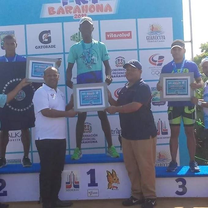 Barahonero  Manuel Milford gana el primer lugar del Triatlón Barahona 2019