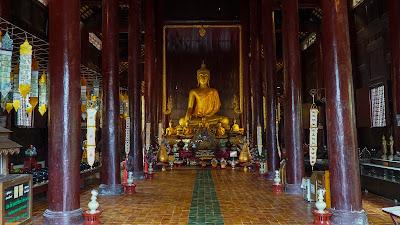 Teakwood interiors of Wat Phan Tao