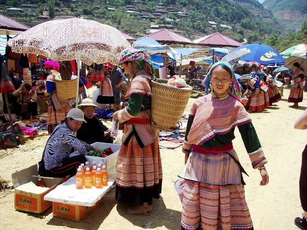 H'Mong women in Sapa Vietnam