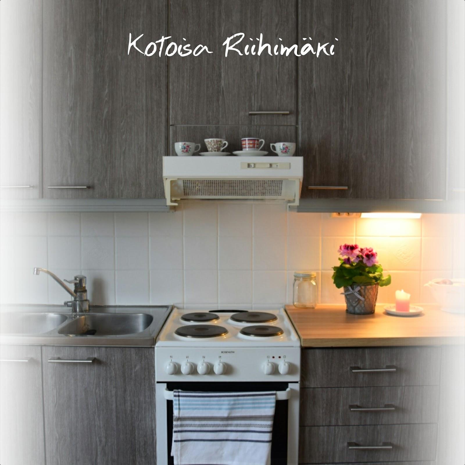 Kotoisa Riihimäki DIY uudistettu keittiö dc fix muovilla