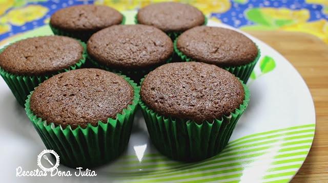 """""""Cupcake de chocolate (sem leite e ovos)"""""""