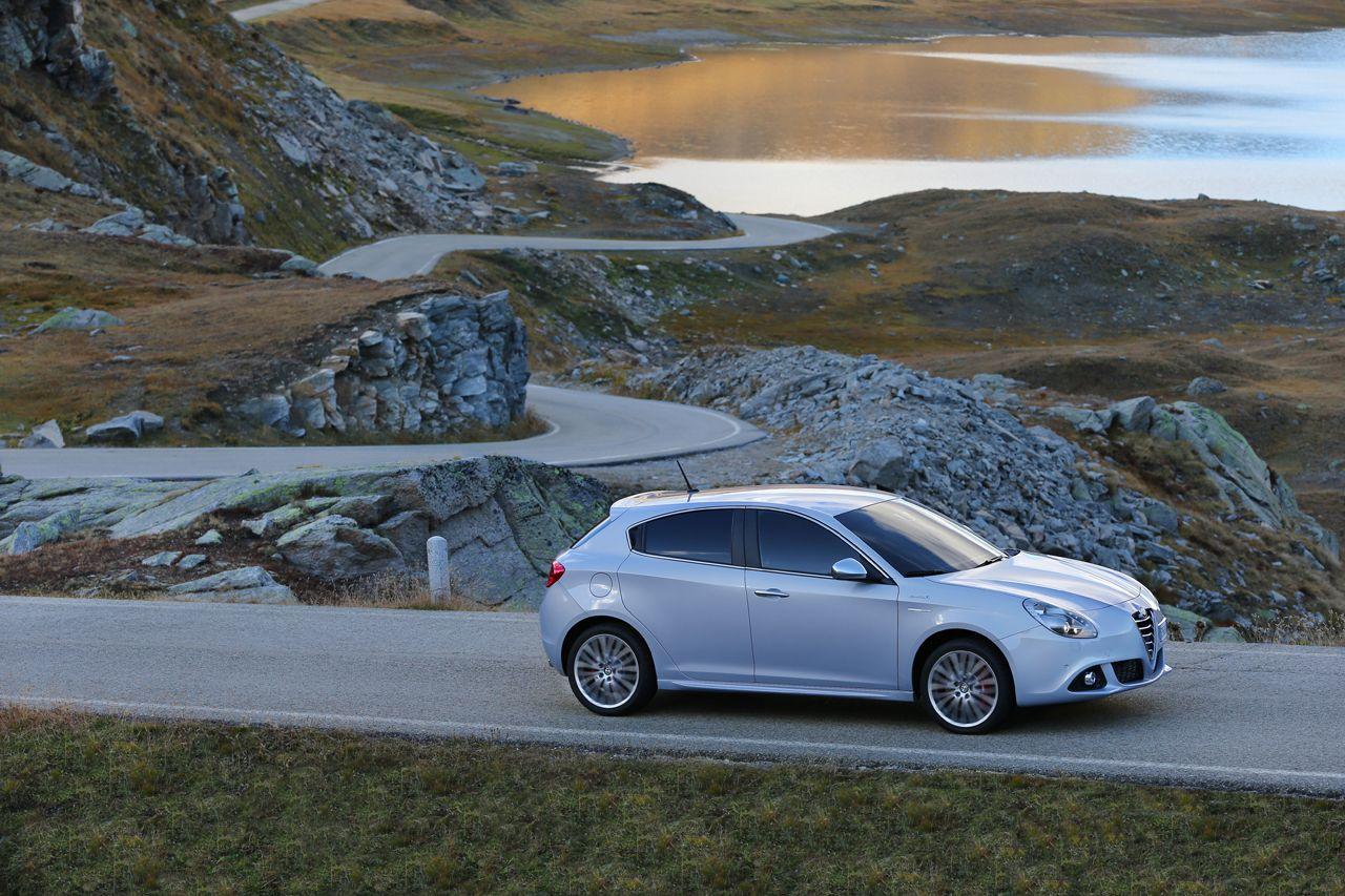 131021 AR giulietta my14 28 Νέος πετρελαιοκινητήρας 120 ίππων για την Giulietta και με τιμή από 21.370€