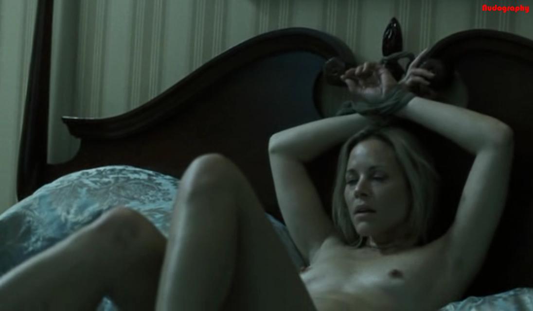 Обнаженная мария белло, порно две красивые девушки лижут друг другу писечки