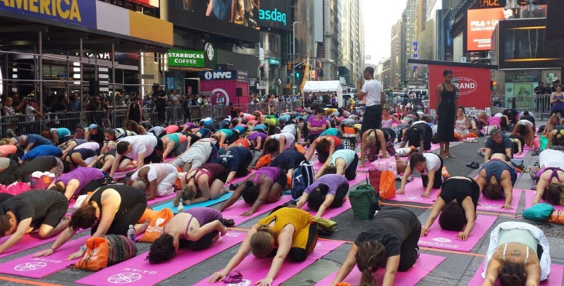 Yoga no Times Square