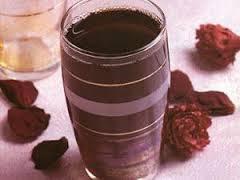 بالفيديو طريقة عمل شراب الخروب  للشيف خالد على -عمل الخروب - طريقة الخروب فيديو -طريقة عمل الخروب -عصير الخروب - شراب الخروب - مشروب الخروب -فيديو - وصفات فيديو - رمضان - وصفات رمضان والعيد -الخروب-وصفة الخروب-الكراميل -Carob-Ramadan