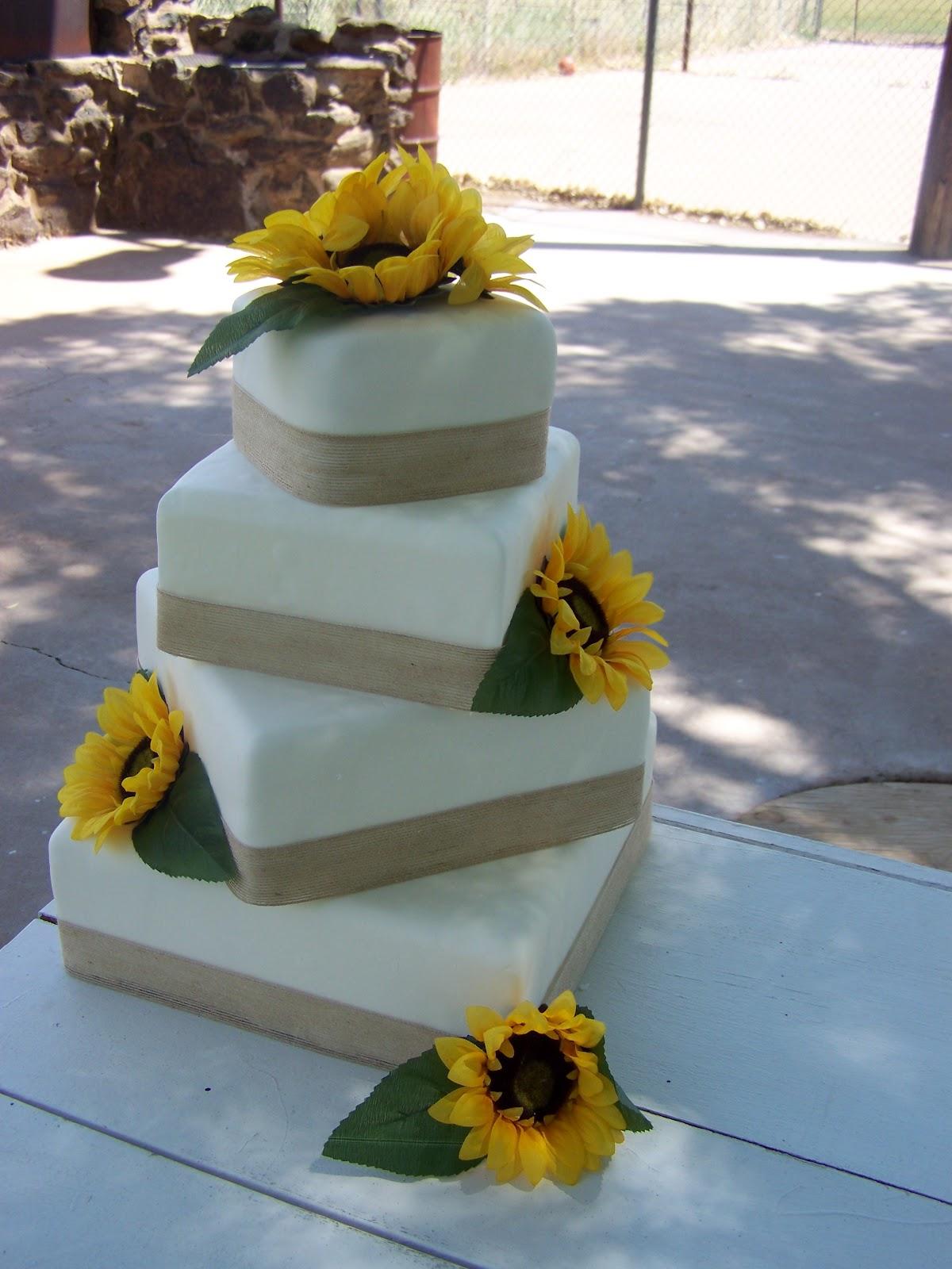 Cake-A-Licious: Sunflower & Burlap Wedding Cake