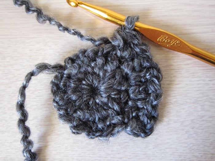 mittens, free crochet pattern, tutorial, round 2 - 1