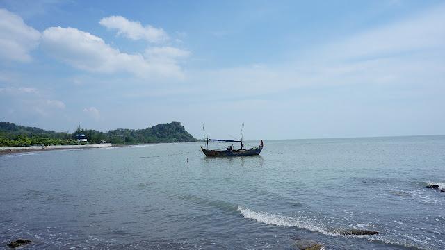 Pantai Cantik Bersejarah itu Tersembunyi di Jepara