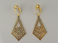 http://www.thecliponearringstore.com/empress-style-dangle-clip-on-earrings.html