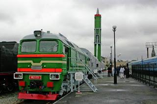 Peluncur Rudal Berbasis Kereta Api