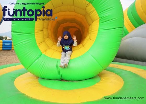 funtopia-caterpillar-cave