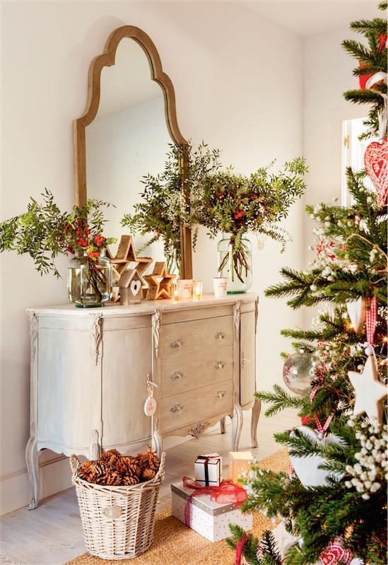 Un recibidor navide o de ensue o hall christmas decor - Comoda para recibidor ...