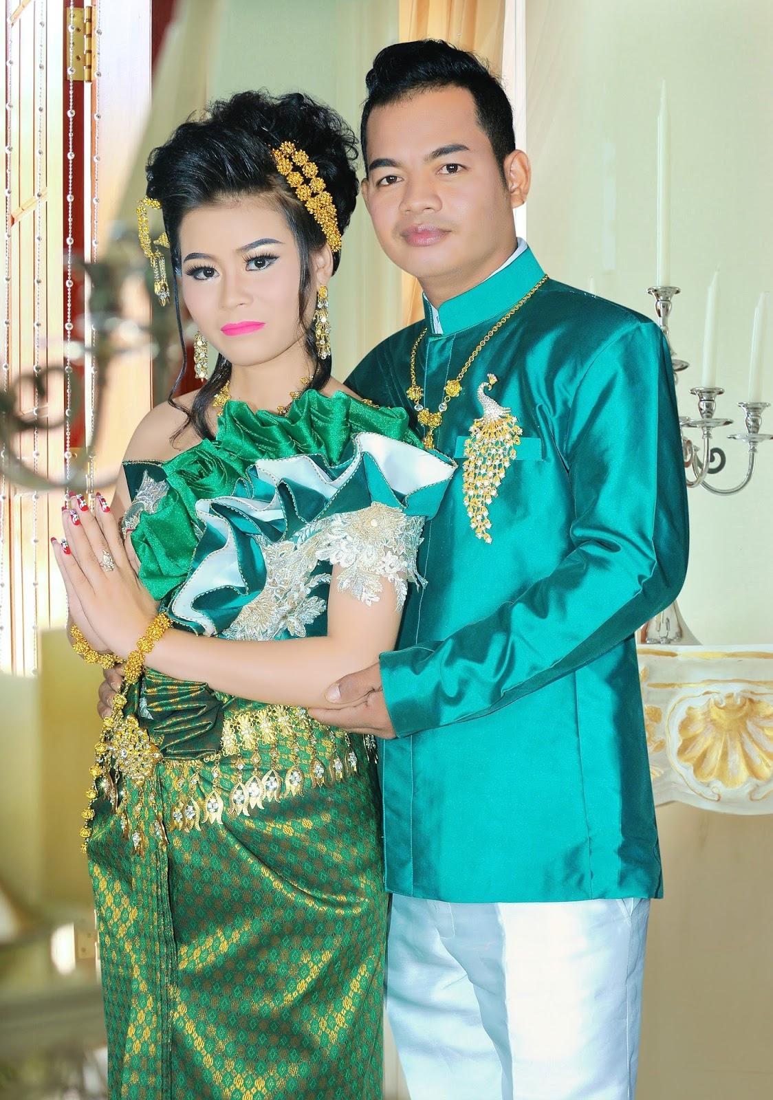 Beautiful Khmer Wedding Outfits - Bousra