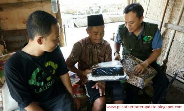 SYUKUR ALHAMDULILLAH!!! Kakek yang Tinggal di Kandang Ayam Dapat Bantuan