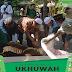 [Foto] Pelaksanaan Ibadah Kurban bersama Panitia Tebar Hewan Kurban Ukhuwah 1437. H