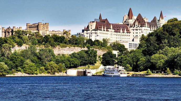 Wallpaper: Architecture from Ottawa, Canada