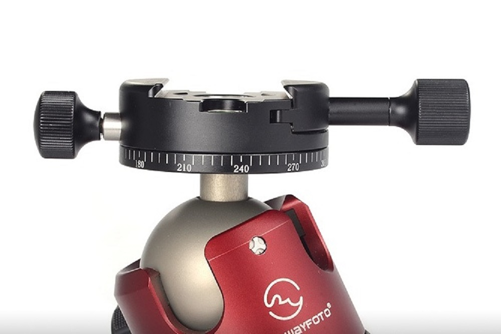 Sunwayfoto DDH-04N Panning Clamp direct mount on XB-52 ball head