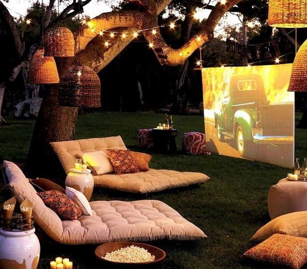 Easy DIY Outdoor Cinema in The Garden - Home Garden Cinema