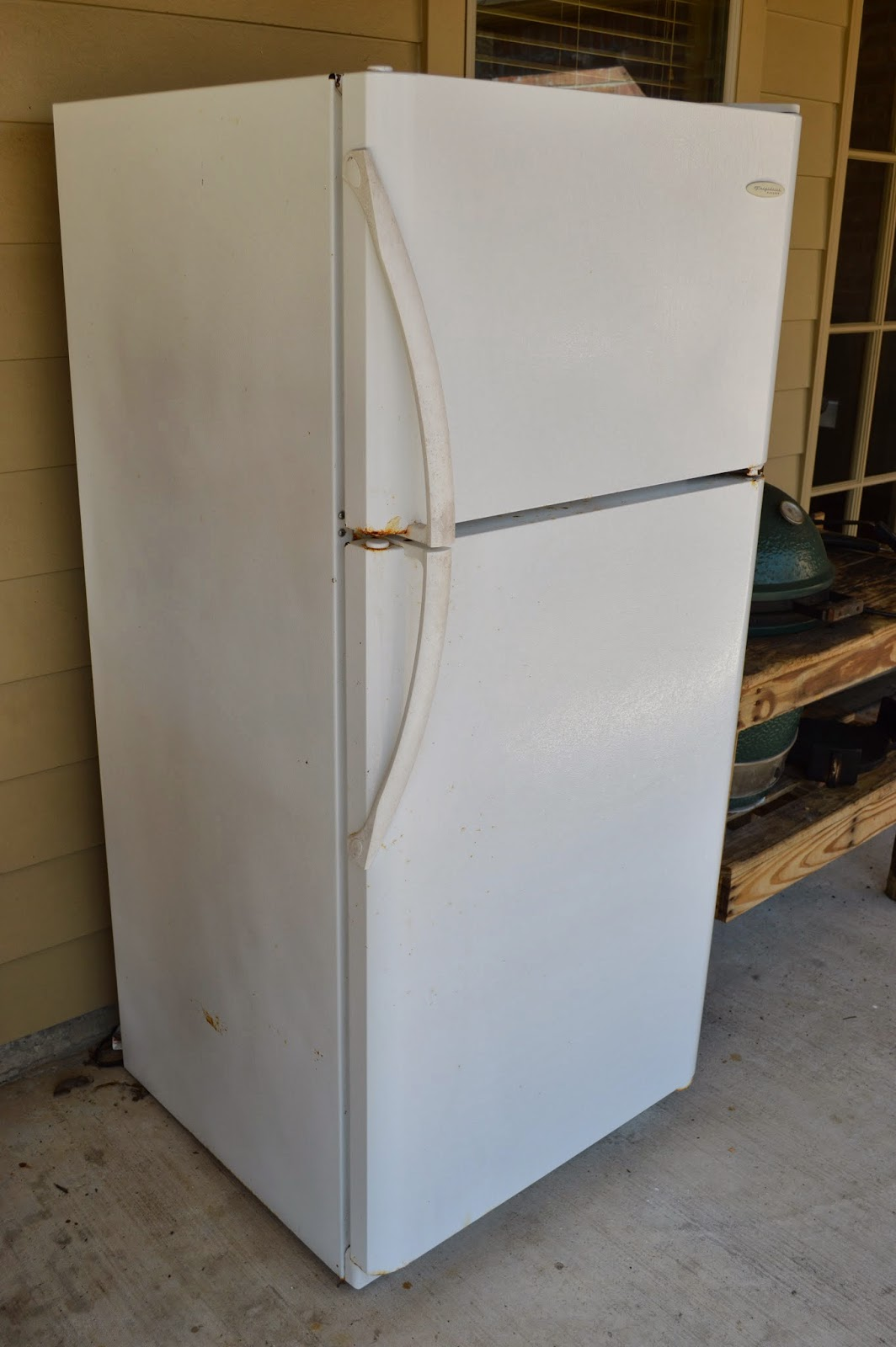 Moving Sale Sold White Frigidaire Refrigerator 125