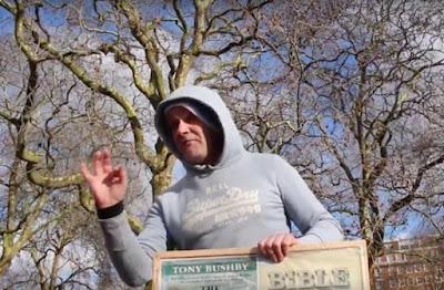Un hombre antisemita hostiga a judíos ortodoxos en un parque de Londres