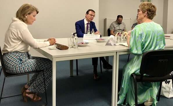 Queen Mathilde wore a new diamond squares wide-leg crepe trousers by Diane von Furstenberg. DVF Diane von Furstenberg Denise trousers