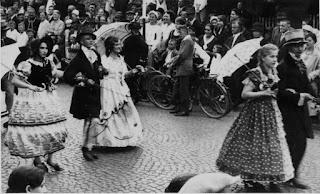 Die Biedermeiergruppe 1932 - Nachlass Joseph Stoll, Album Oald Bensem, lfd.No. 0102, eingescannt 600 dpi, Stoll-Berberich 2015