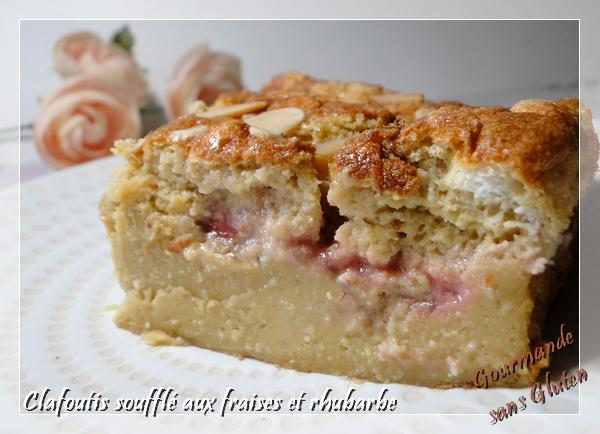 Clafoutis soufflé aux fraises et rhubarbe sans gluten