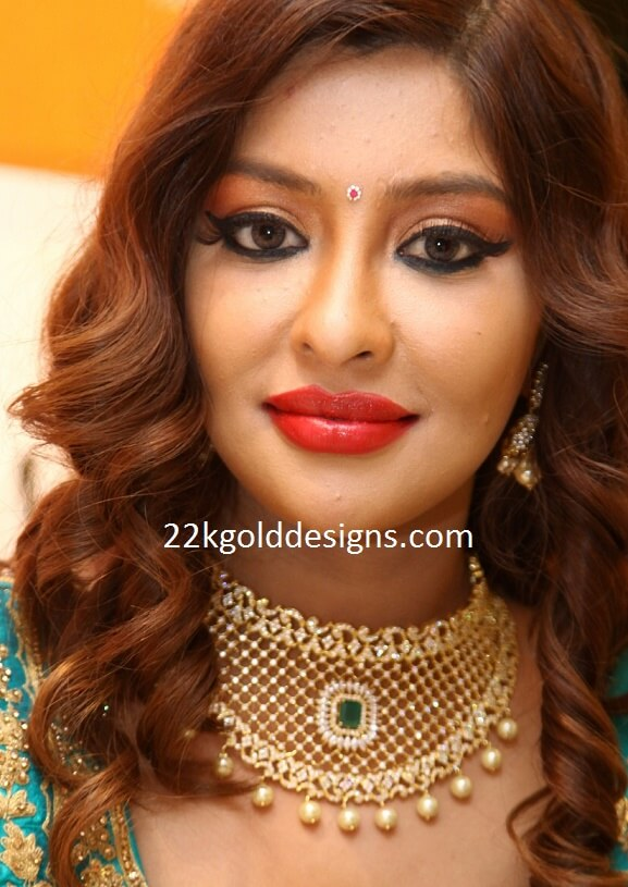 Payal Ghosh in Diamond Necklace