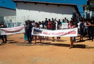 Comunidade protesta