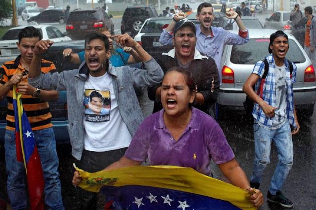 El chavismo aprueba una ley que criminaliza las protestas y la disidencia