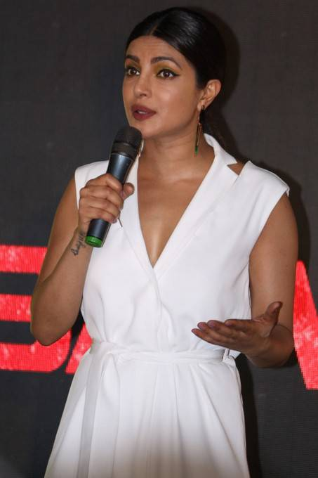 Hindi Girl Priyanka Chopra Stills At Baywatch Press Conference