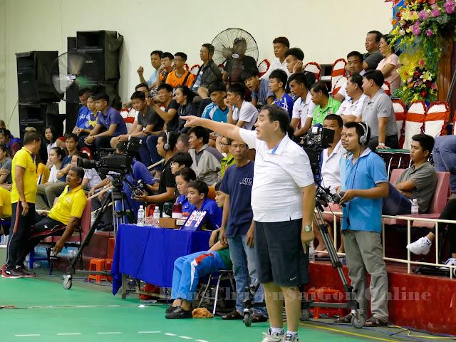 HLV trưởng Bùi Quang Ngọc đang gặp khó ở Long An!